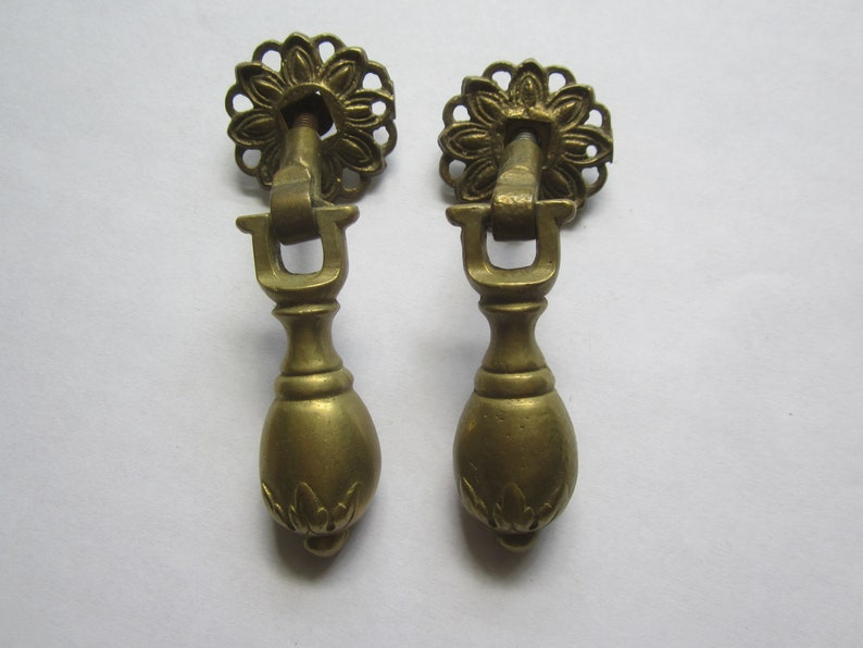 Vtg NOS Small Antique BRASS Drawer Knobs Pulls Pinwheel Bases Back Plates Ornate Drawer Pulls Hardware