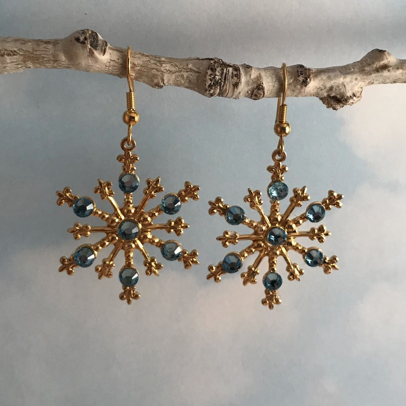 4a420434310f0 Aquamarine Crystal Snowflake Necklace or Earrings