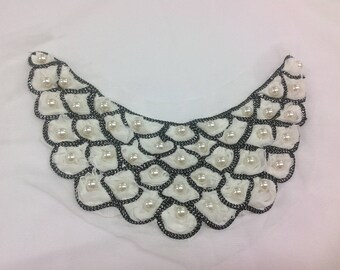 Beaded blouse collar