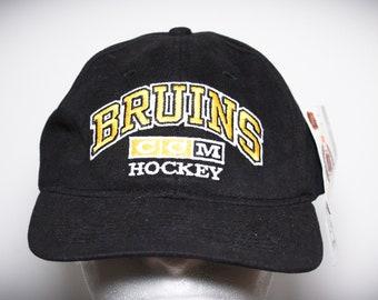 573e4a1f727 Vintage 90s CCM Boston Bruins NHL Hockey Deadstock Strapback Hat