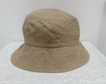 3c6f13f64032d Kenzo Embroidered Bucket Hat in cream Colour