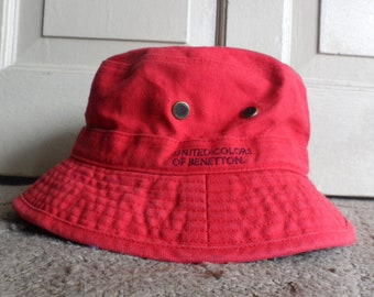 8db9b06e United Colors of Benetton Red Bucket Hat