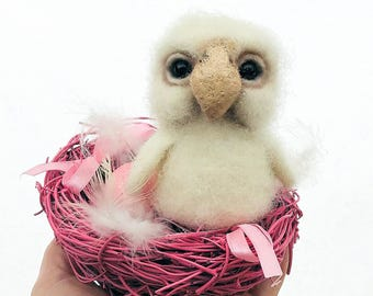 White bay owl felted pet sculpture needle art owl home animal figurine collectible wool toy doll animal ornament cute Valentine gift felt