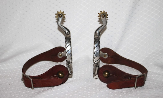 """Weaver Leather Children/'s 5//8/"""" Wide Western Spur Straps Nickel Plated Buckles"""