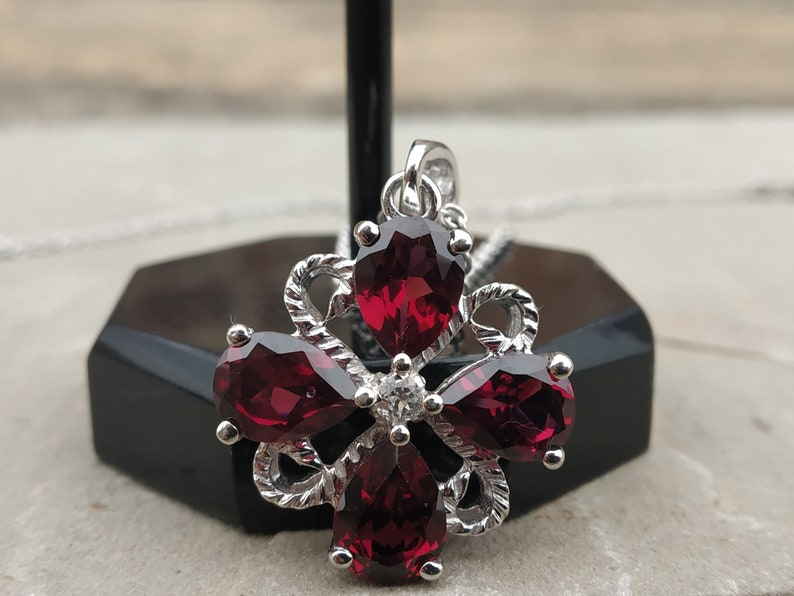 GARNET PENDANT,GARNET Necklace,Woman Pendant,Silver Pendant,Gemstone Pendant,Birthstone Pendant,Handmade Pendant,Statement Pendant,Vintage
