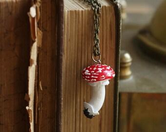 Mushroom necklace, fly-agaric jewelry nature art realistic lifelike amanita muscaria flyamanita mushroom lovers gift idea