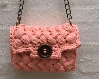 Sweet Peach clutch, lining with nice colours