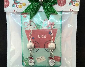 Holiday jewelry, Christmas dangle earrings, gifts for her, Christmas earrings, Christmas earrings swarovski, Christmas jewelry,