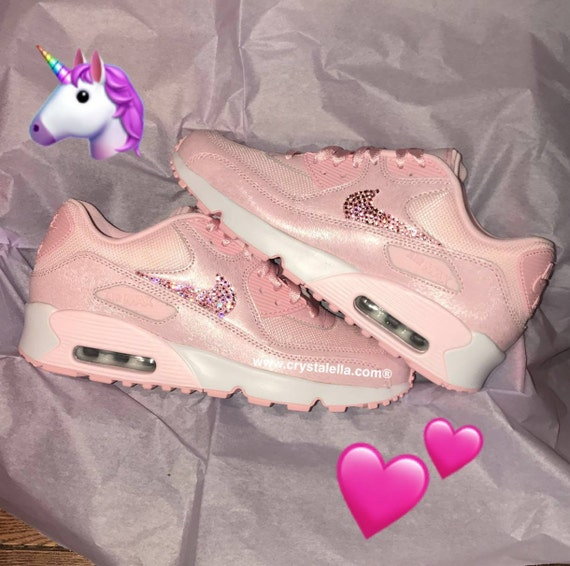 Nike Air Max 90 's in Baby Pink met Swarovski roze kristallen teken