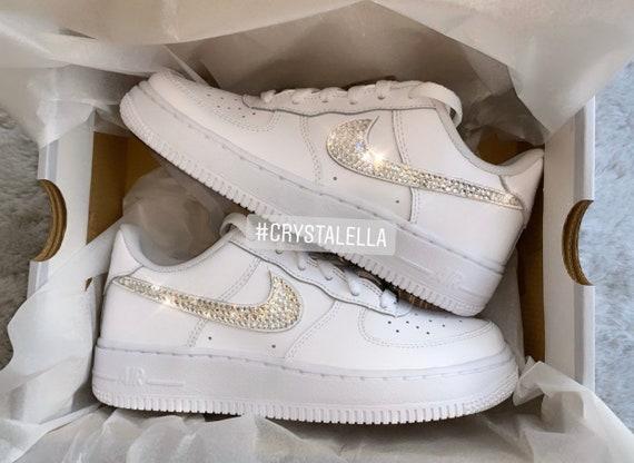 Nike Air Force 1 (Niedrig) Swarovski kristallisiert in zertifizierten Silberklare Swarovski Kristallen