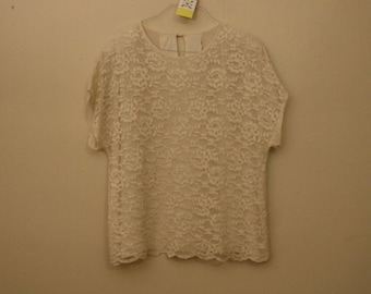 90s Era Vintage White Lace Short Sleeve Vintage Top in Women's Size Large with a 46 inch waist