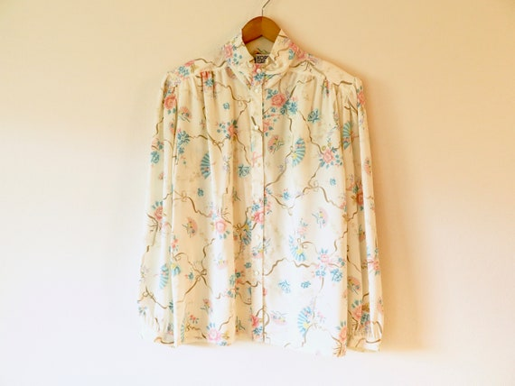Beautiful vintage blouse pastel