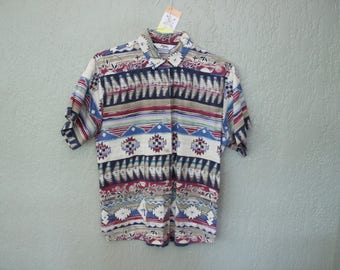 90s Era Vintage Aztec Southwest Button Up Short Sleeve Top in Women's Size Large with a 43 inch waist