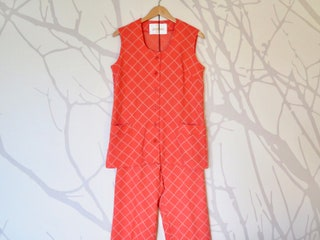 60s Era Vintage Orange Sleeveless Polyester Pants Suit in Women's Size 14 with a 25 elastic waist