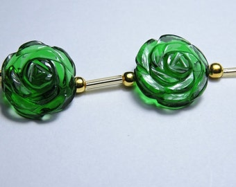 2 Pcs Very Attractive Chrome Green Quartz Hand Carved Flower Shaped Beads Size 18X18 MM
