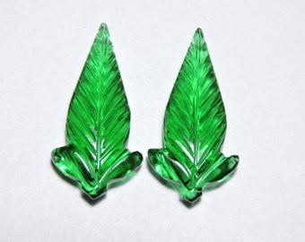 2 Pcs Very Attractive Chrome Green Quartz Hand Carved Leaves Shape Gemstone Beads Size 30X15 MM