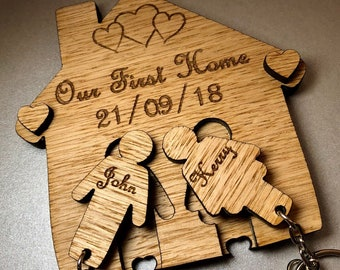 Personalised Oak Our First Home Keyring Wall Holder Plaque House Warming Wooden