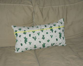Rectangle cushion - cactus patterns - green and yellow