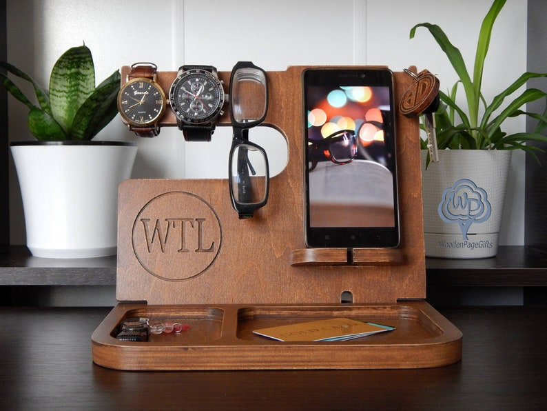 In modern life, mobile phones are a necessary tech tool for work and contact. If your dad is a mobile phone fan, or he uses a mobile phone a lot for work but sometimes he forgets where he puts it, then buy him a Phone Wooden Docking Station to help him stop this situation. With a portable design, it can hold his phone, key, glasses, or even wallet. Believe me, this practical and useful tech gift will be a great thing for dad.