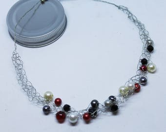 Red, white and black pearl bead wire crochet necklace