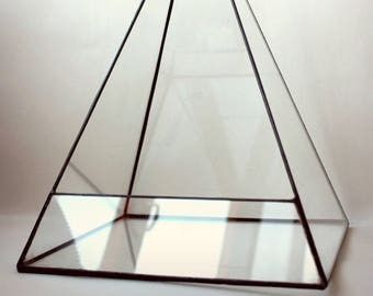 Stained Glass terrarium Container. Stained Glass Planter. Geometric Terrarium.  DIY terrarium. Terrarium Container. Glass Terrarium. Pyramid