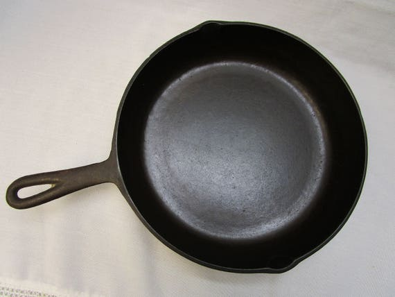 Cast Iron No 8 Skillet 10 5 Inch With Heat Ring Vintage