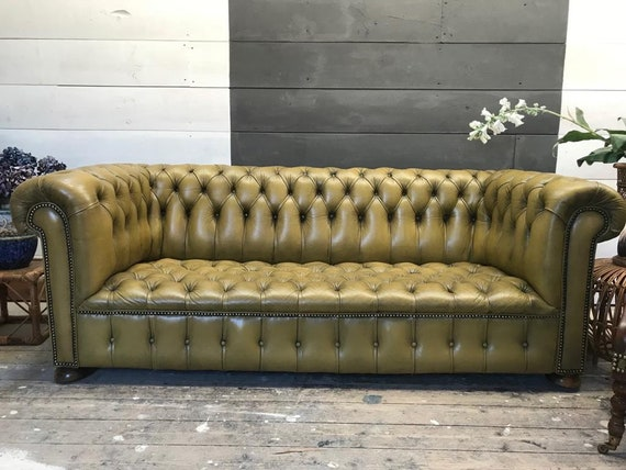 Peachy Original Victorian Green Leather Chesterfield Sofa And Two Library Chair Machost Co Dining Chair Design Ideas Machostcouk