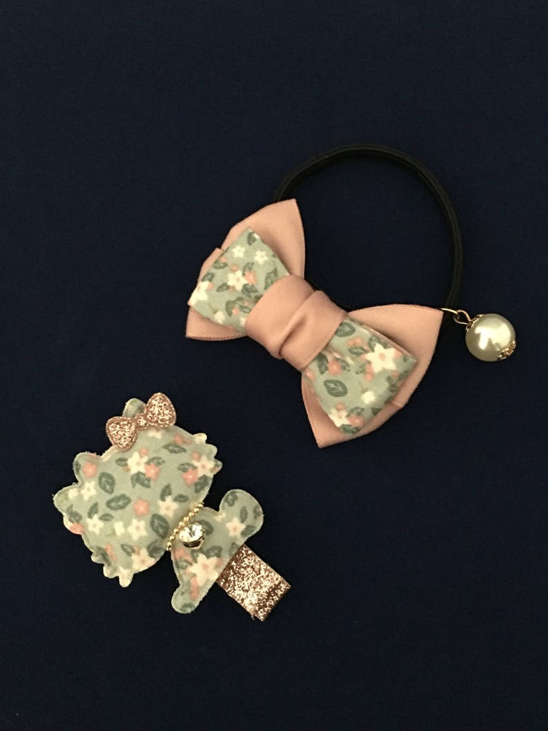 d7c87aebf Hello Kitty Inspired Glittery Alligator clip with cute glitter | Etsy