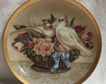 Gloria Vanderbilt Home Furnishing Collector Plate - 'Romance in Bloom' Turtle Doves (#182)