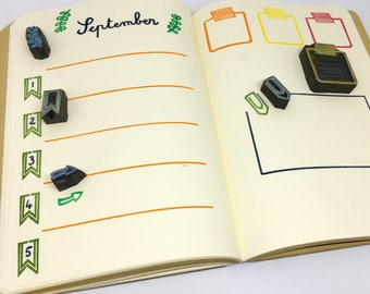 Tampons bullet journal, tampons bujo, tampons agenda, tampons carnet, tampon date, tampon organisateur, tampon trombone, tampon masking tape