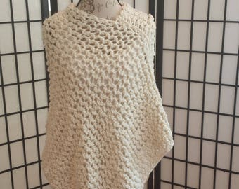 Knitted Poncho in Off White/Cream