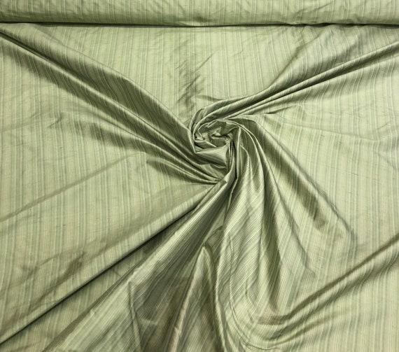 Shantung de soie vert 54