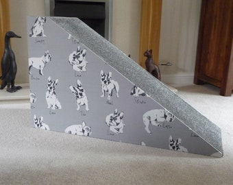 40cm H. x 80cm L. Pet Ramp in French Bulldog Fabric with Twist Grey Carpet