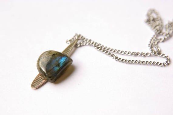 Natural Labradorite Pendant,  Heart Chakra, Healing Crystals, Labradorite Gemstone, Labradorite Jewelry, Gift for Her