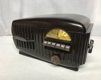 Airline 84BR-1507 retro vintage tube radio with iphone or bluetooth Input.