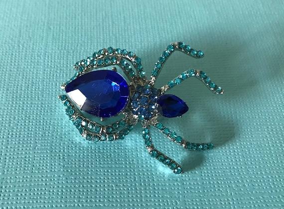 Blue rhinestone spider pin, spider brooch, Hallowe