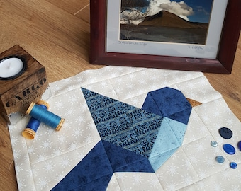 bird quilt block pattern, bird quilt pattern, flying bird block, animal quilt patterns, easy quilt block, bluebird, robin, cardinal sewing