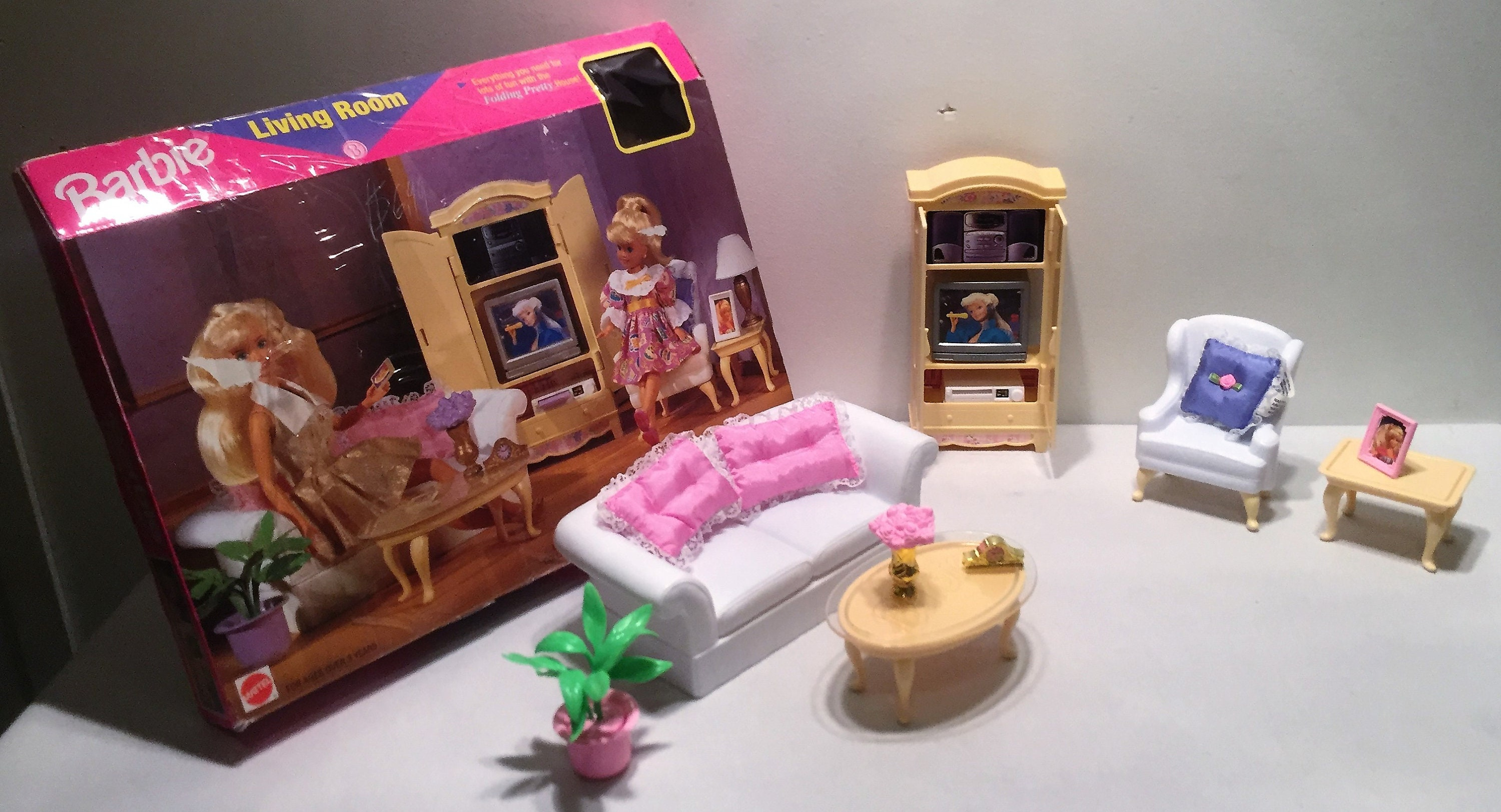 Mattel 1996 #67553 91 Barbie Living Room Folding Pretty House In Original  Box Rare Great Condition FREE SHIPPING
