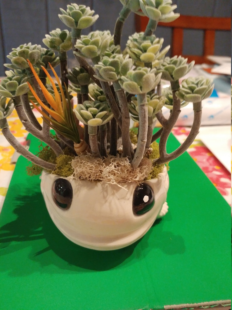 Vintage Fish Planter with Succulent faux plant in vintage white FISH planter Rooter Flower Display BIG EYED Fish