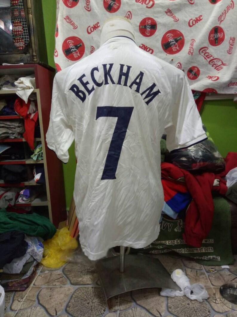 1ce4dba5c37b Vintage Umbro England no.7 David Beckham football Jersey