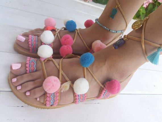 sandals sandals sandals sandals Tie sandals Greek Pink up Boho pom AMARILLIS Flat gladiator sandals leather Colorful sandals Pom Fqw1a6