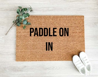 Paddle On In Lake Doormat –Welcome Doormat - Welcome Mat – Custom Coir Doormat  – Cute Doormat - Welcome Rug - Cottage Decor