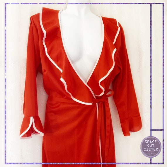 1970s Vintage Red Ruffle Robe