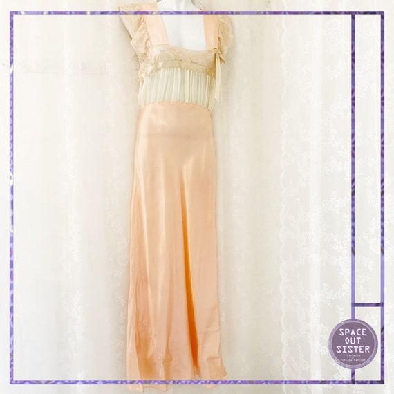 1930s Vintage Ballet Pink Satin Nightdress - image 2