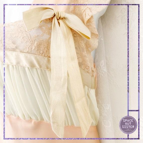1930s Vintage Ballet Pink Satin Nightdress - image 6