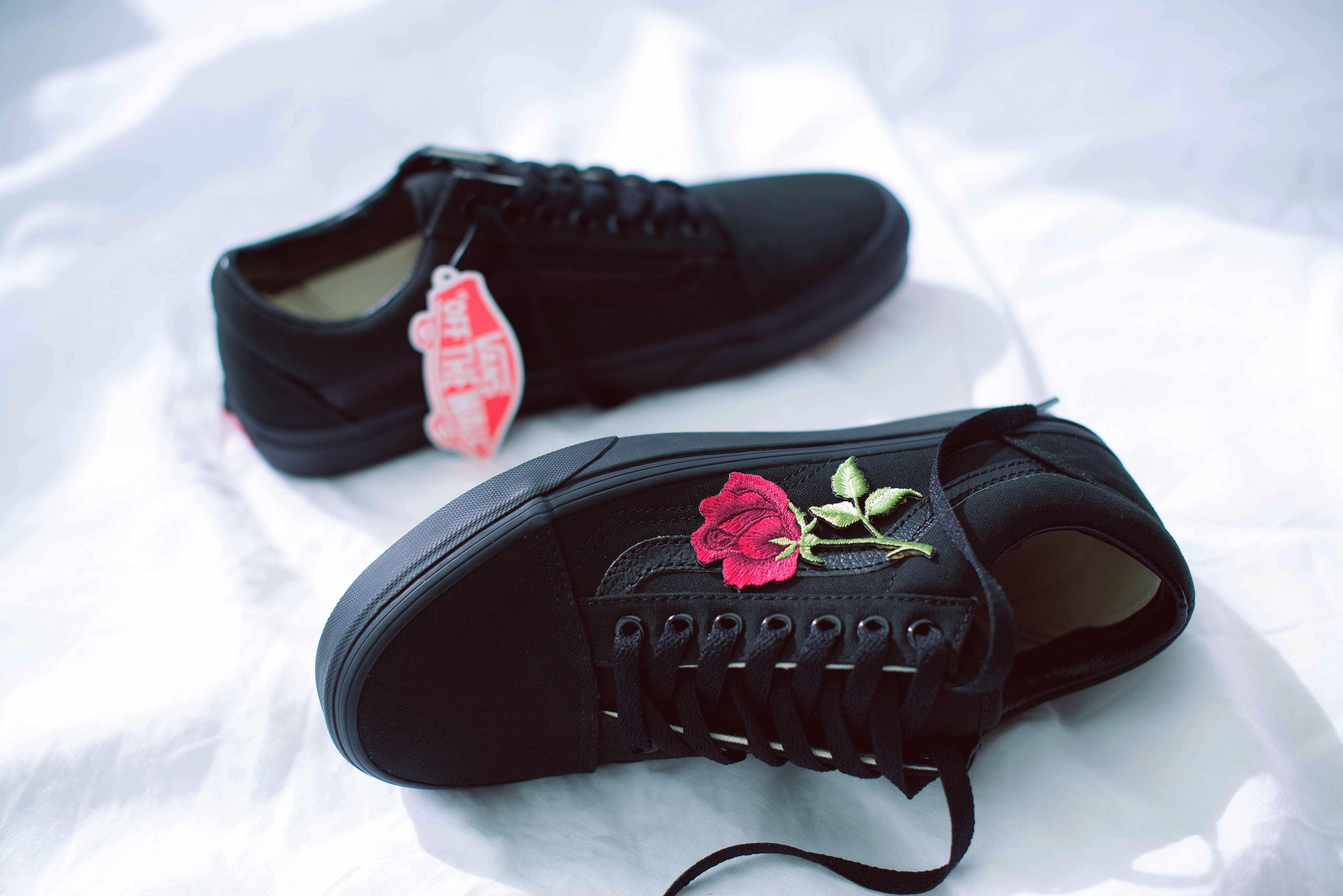 5367644bf83a Vans Old Skool Custom Big  Rose Patch  EUR 34.5