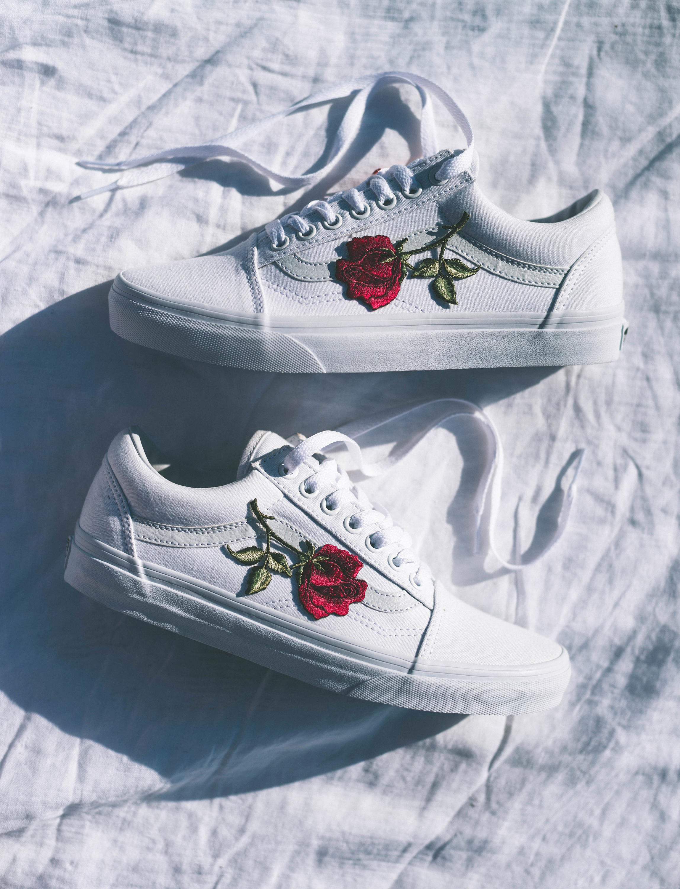 Vans Old Skool Custom White - Big Rose Patch - All Sizes - Unisex - Sneaker Shoes [Embroidery Sk8 Hi Nike Air Force Lv Roses Flowers]