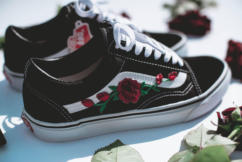 vans old skool met rozen