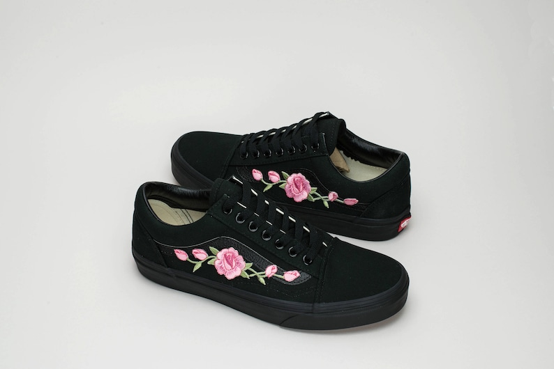 54cb11d36dc4f Vans Old Skool Custom Black - Rosa Rose Patch - All Sizes - Unisex -  Sneaker Shoes [Embroidery Sk8 Hi Nike Air Force Lv Roses Flowers]
