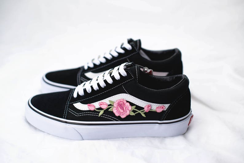 Vans Old Skool Custom Rosa Rose Patch - Unisex - Alle Größen - Sneaker Schuhe [Stickerei Sk8 Hi Nike Air Force Lv Rosen Blumen]